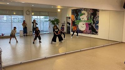 Kids dance(中級)    YURIクラス