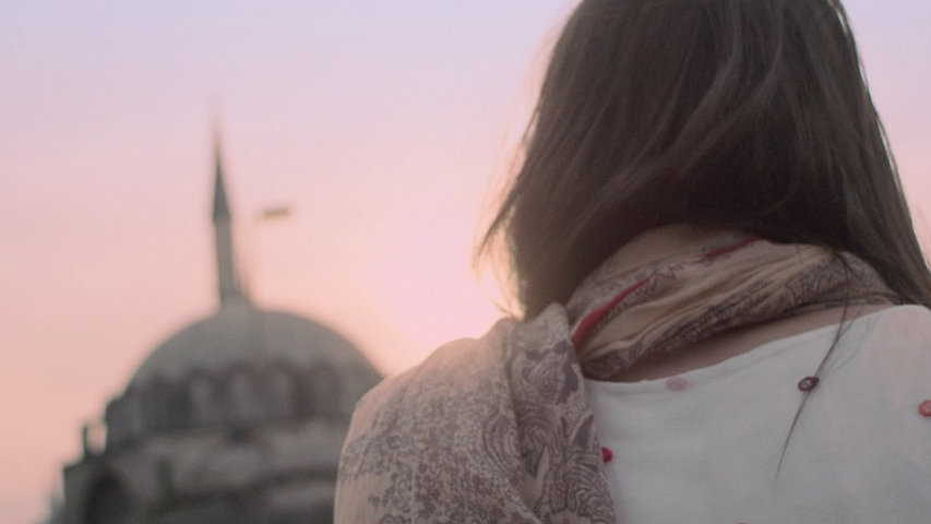Vogue Eyewear - Something About You -  Episode 3 - She's in Istanbul