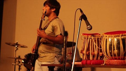 Yeh Kaali Kaali Aankhein Band Performance