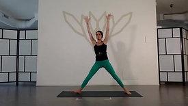 Pratica Vinyasa Flow di 30 minuti con Ilaria