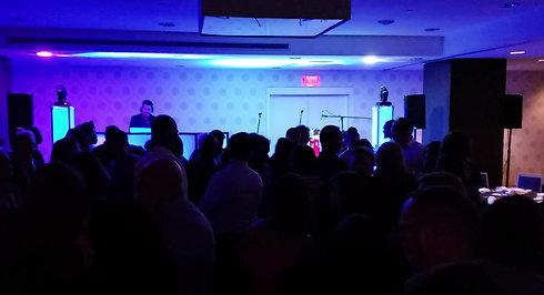 DJ pour party de bureau et bal de finissants