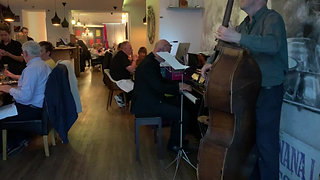 Jazz at the Weekends at Indian Summer