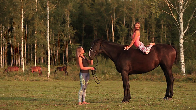 JOGA zirgā/YOGA on horse