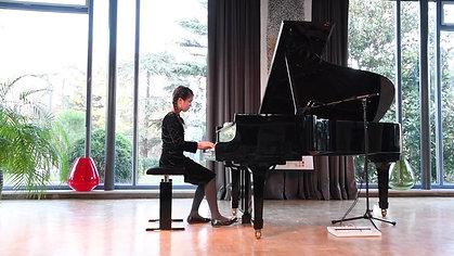 Robert Schumann - Kinderszenen Op. 15/1 - Malaika Wainwright Concert