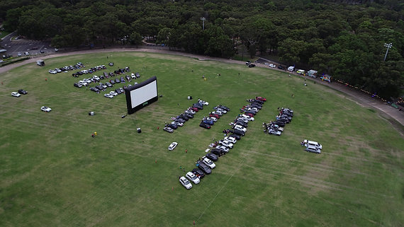 Double Screen - Drive-In