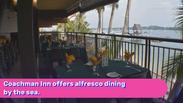 Coachman Inn: Dining by the sea.