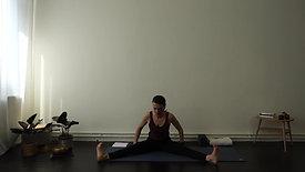 Vinyasa Yoga - Hanumanasana