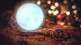 "S2E15 Props: ""The Magic Snowball & Key"""
