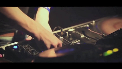 Hugo Watts - Nightclubs