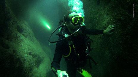 Expedição de Mergulho realiza o primeiro inventário de cavernas submarinas de um arquipélago brasileiro