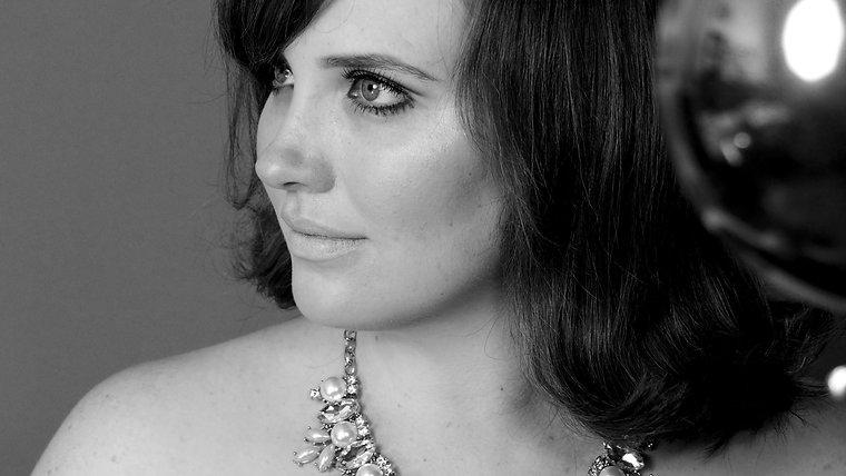 Naomi Livingston. Singer/Actor/Songwriter