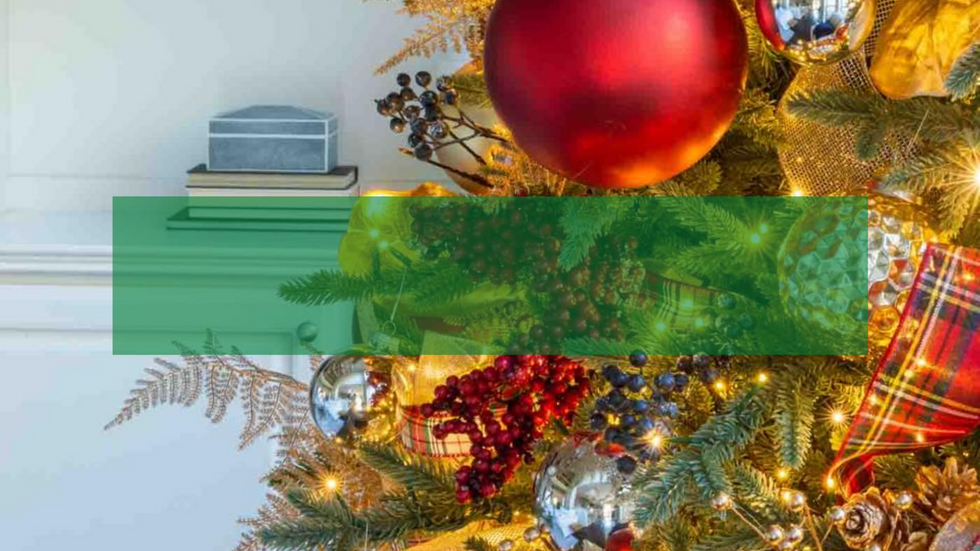 Step-by-Step Christmas Tree Decorating