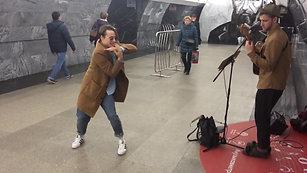 Даниил Луцак в метро