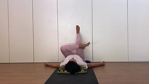 Yin 30min - legs & hips at the wall