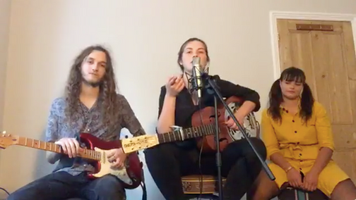 Live Théa Marie Stream with Sofa Sessions