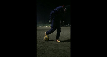 足技ボール上げ難しい