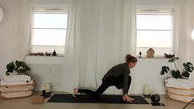 Live Flow Yoga d. 5.4 mave, lår hele kroppen og stræk