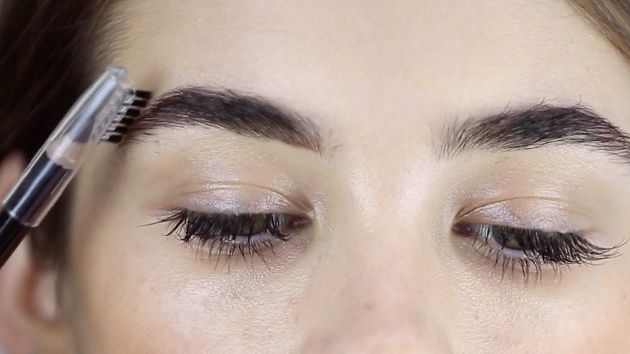 HOW TO: DEWY SKIN & STATEMENT BROW