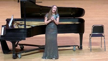 Soprano Amalia Crevani singing Ombre légère