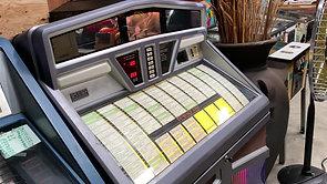 いい音♪ 1989年 AMI社 モデルR-93 激レア!! レコード&CD搭載 ジュークボックス