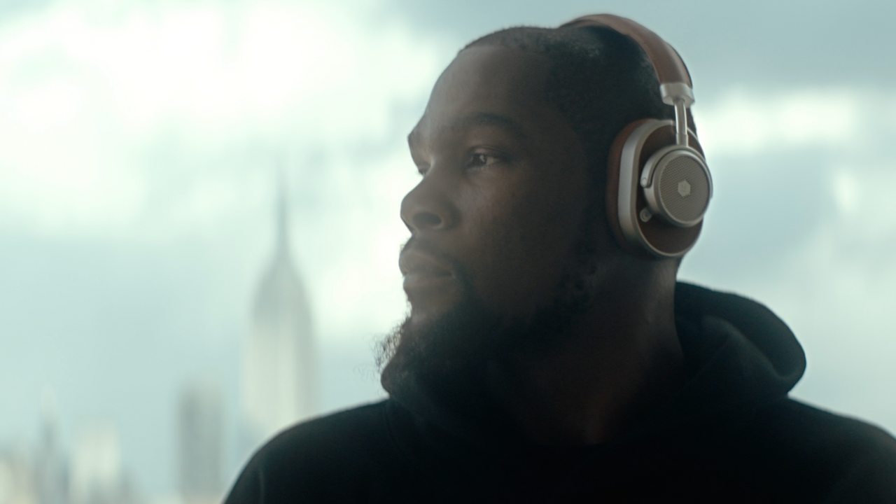 "Master & Dynamic feat. Kevin Durant ""Reinvention"""