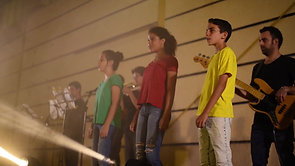 "Chai (Alive) - mass singing in Kibutz ""Mavo Galil"""