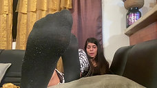 Alejandra Reviews Her New Socks (Guest Vlog)
