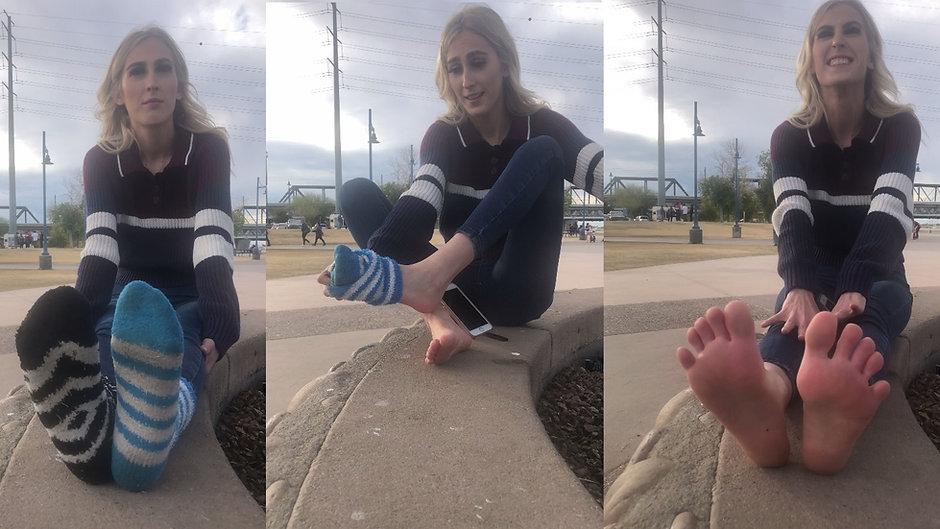 20yo Spencer Removes Her Fuzzy Socks