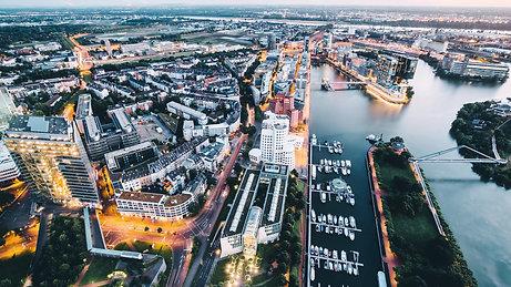 Marina Düsseldorf Golden hour