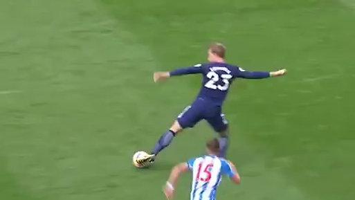 Tottenham Build Up Play