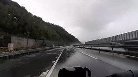 【無料動画】大雨の中御殿場へ