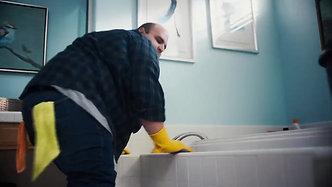 "Pine-Sol Commercial ""Bathroom"" _15"