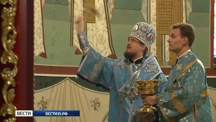 Завершились масштабные работы по росписи кафедрального собора Афанасия и Феодосия Череповецких