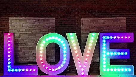 5ft Tall Colour Changing LOVE Lights