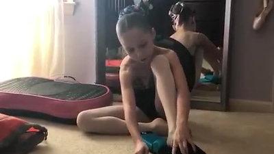 @natasha.ballerina Arch Stretcher Pt 2
