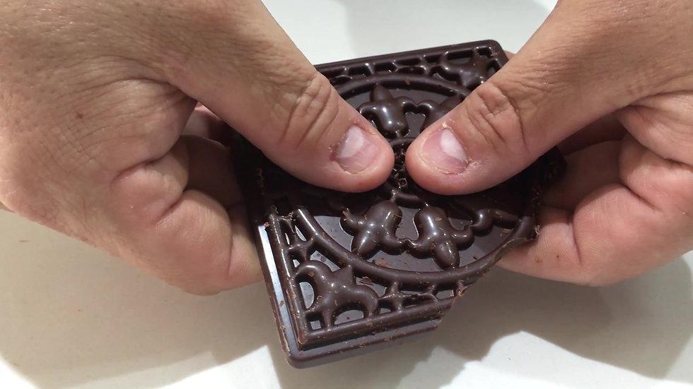 Chocolate snap