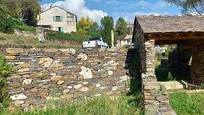 Mur en pierre sèche : restauration du patrimoine en Cévennes
