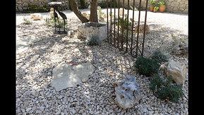 Petit jardin méditerranéen de charme, Gard