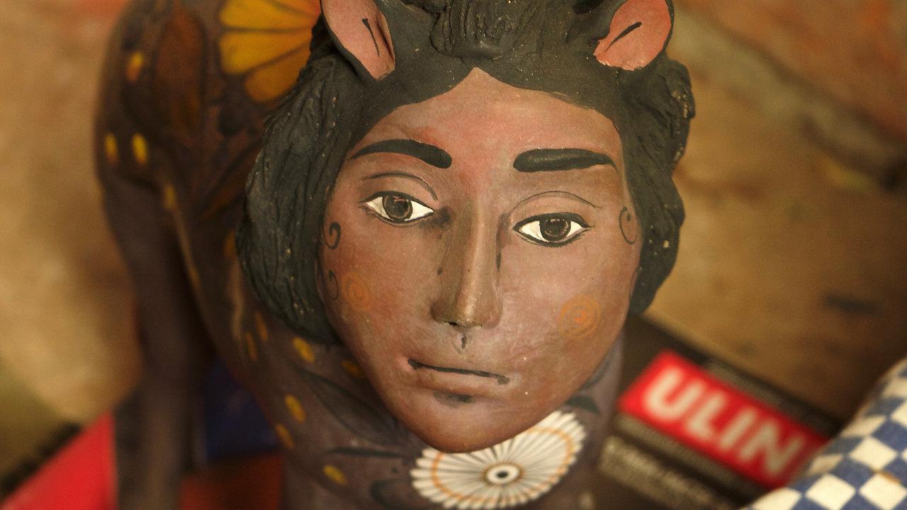 Mexican Pottery Making: Barro Bruñido