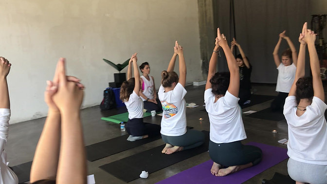 Genç Kızlarla Yoga & Meditasyon