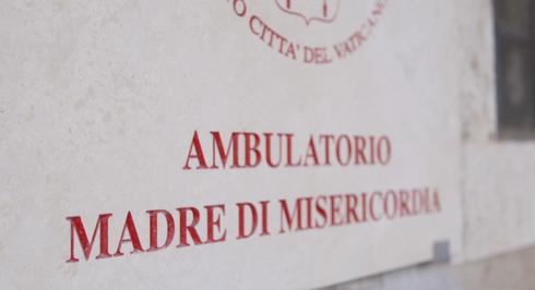 Donazione all'Ambulatorio Vaticano
