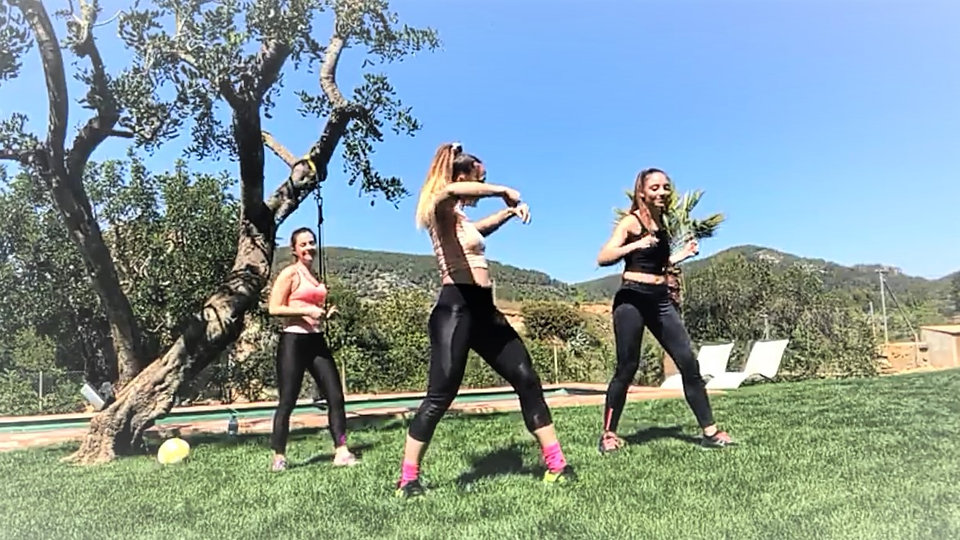 Youtube: Fit With Silvia