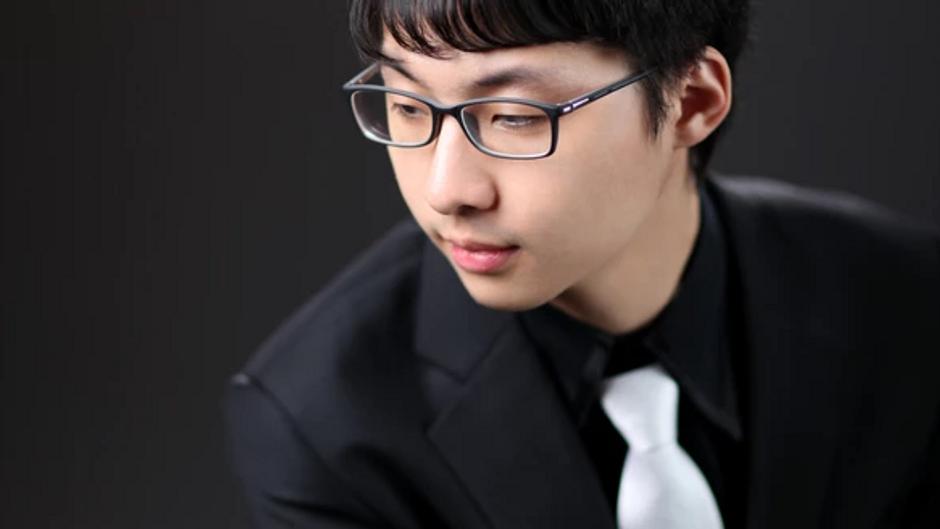 Sungsoo Cho