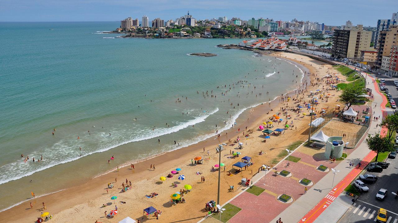 Voo de drone em Guarapari - Entre praias a cidade se destaca com sua beleza.