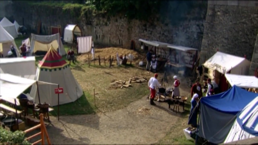 Food History- The Medieval Feast - Let's Cook History