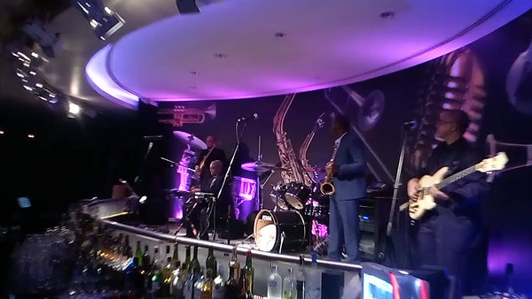 N _Keyboard+Perc. solo_live_Jazz Bar(1)