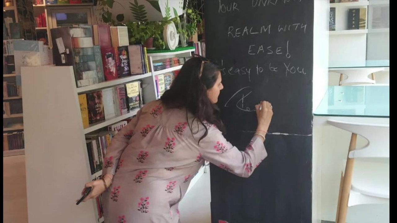 Book Signing - Mumbai Stores