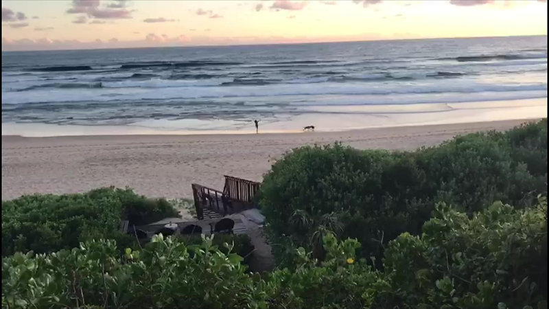 Sea Paradise guest house - Sunset on Wilderness Beach, South Africa