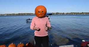 Leiter Being a Pumpkin