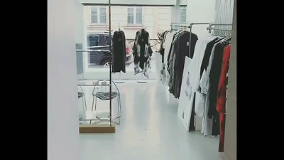 MOYURU PARIS SHOWROOM